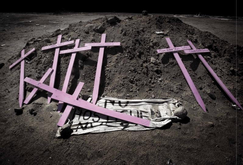 Die Kreuze, vor der die Wölfin heult